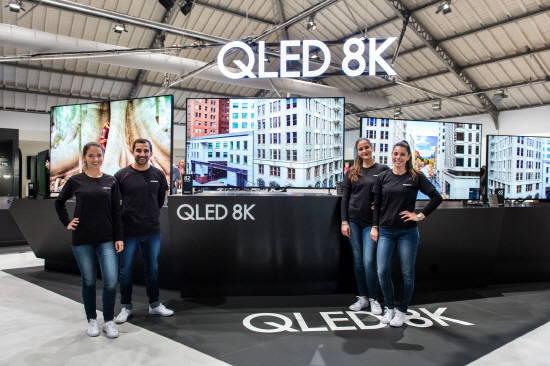 8K=삼성…삼성전자, 유럽 첫 8K 위성방송 시…