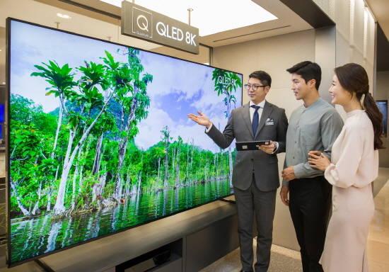TV 얼마나 커질까…삼성전자, 98인치 QLED…