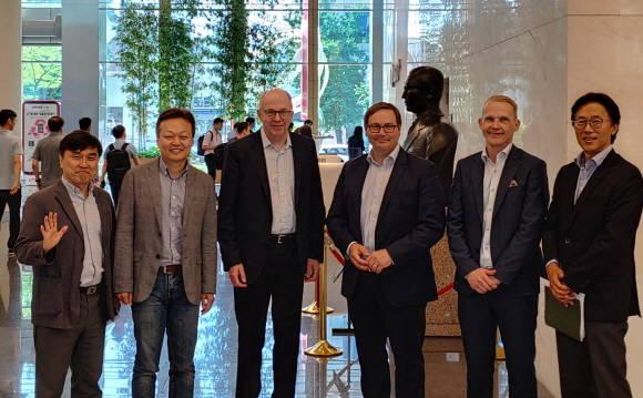 핀란드 통신사 '엘리사' CEO, LGU+ 찾은…