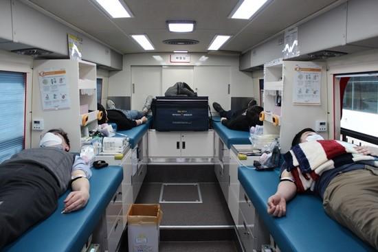 LG화학, 코로나19 극복 돕는다…'헌혈 캠페…