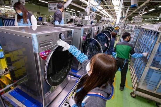 LG전자, '스팀씽큐' 전량 국내 생산