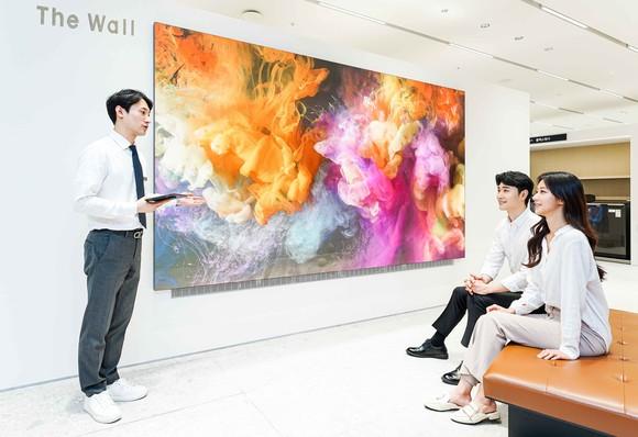 삼성전자, 갤러리아 백화점 광교점 '더월' 체…