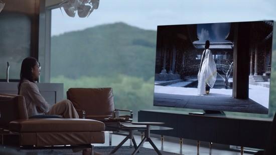 코로나19에 울고 웃은 TV 시장…삼성-LG 양…