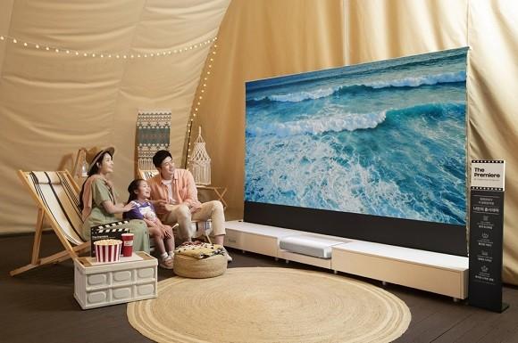 집 안의 영화관 경쟁 '점화'…홈프로젝터, 삼성·LG·엡손 '3사 3색'